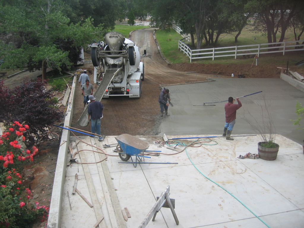this is an image of concrete pouring project for carlsbad cocnrete masonry