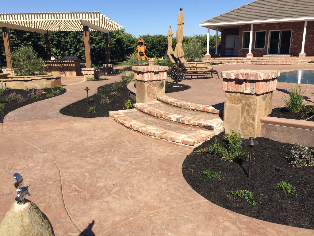 Picture of a Pool Deck built by a concrete contractor in Carlsbad, California